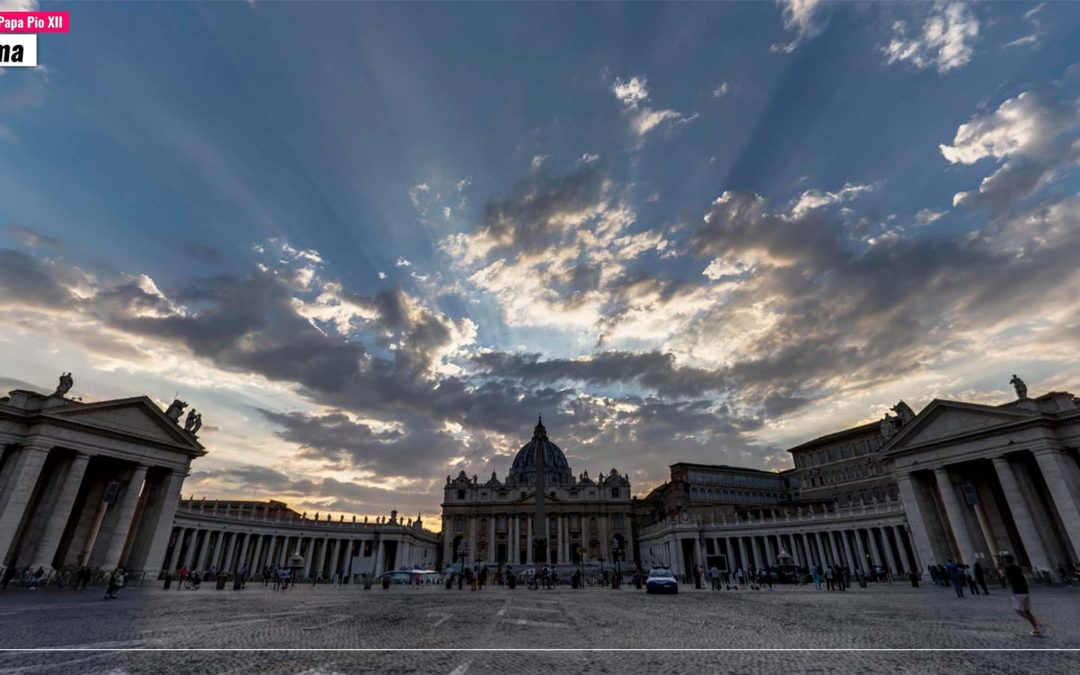 Piazza Papa Pio XII. Roma